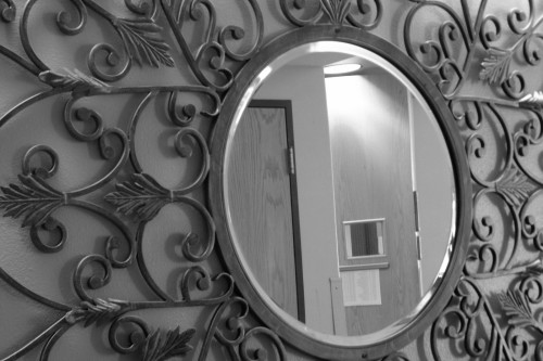 Learn About Using Mirror in Feng Shui