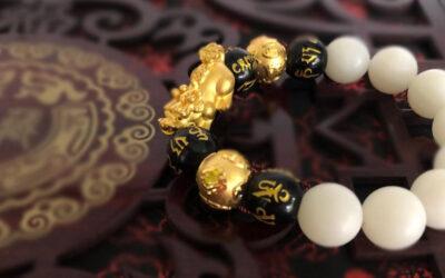 Wearing Pixiu Bracelet in the Correct Way