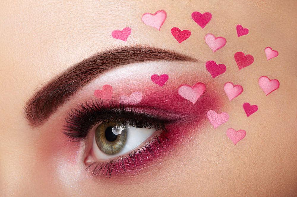 peach blossom eyes